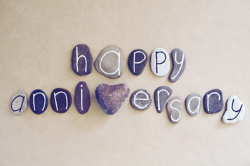 Wedding anniversary facebook whatsapp and instagram status
